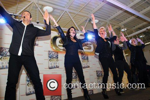 Lee Latchford-Evans, H, Claire Richards, Faye Tozer, Ian Watkins, Lisa Scott-Lee and Steps 11