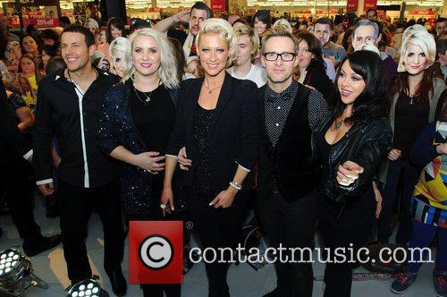 Lee Latchford-evans, H, Claire Richards, Faye Tozer, Ian Watkins, Lisa Scott-lee and Steps 7