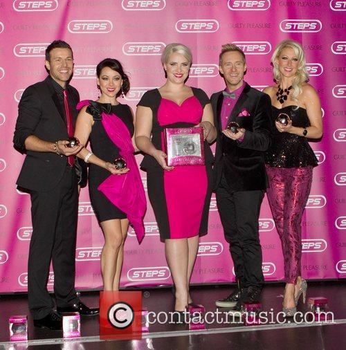 Lee Latchford-evans, Lisa Scott-lee, Claire Richards, Ian, H' Watkins, Faye Tozer and Cafe De Paris 1