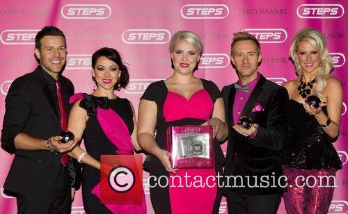 Lee Latchford-evans, Lisa Scott-lee, Claire Richards, Ian, H' Watkins, Faye Tozer and Cafe De Paris 3