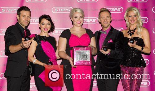 Lee Latchford-evans, Lisa Scott-lee, Claire Richards, Ian, H' Watkins, Faye Tozer and Cafe De Paris 5