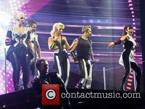 Steps - The Ultimate Tour performing the opening...