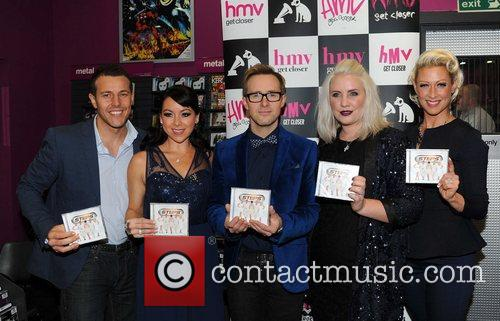 Lee Latchford-evans, H, Lisa Scott-lee, Ian Watkins, Claire Richards and Faye Tozer 2