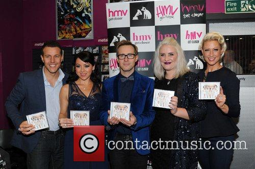 Lee Latchford-evans, H, Lisa Scott-lee, Ian Watkins, Claire Richards and Faye Tozer 1