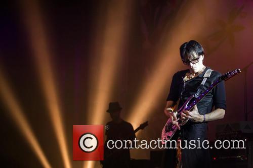 Steve Vai Steve Vai performing live at Aula...