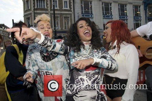 alexandra buggs karis anderson and courtney rumbold 3942904