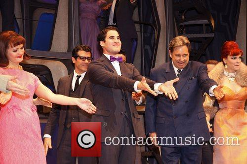 Darren Criss, Al Hirschfeld, Beau Bridges and Tammy Blanchard 6