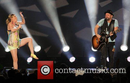 Jennifer Nettles, Kristian Bush and Sugarland 7