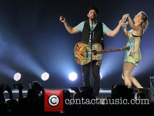 JENNIFER NETTLES, Kristian Bush and Sugarland 12