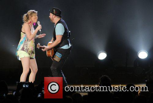 JENNIFER NETTLES, Kristian Bush and Sugarland 22