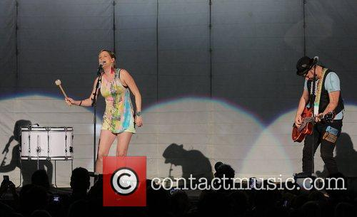 JENNIFER NETTLES, Kristian Bush and Sugarland 41