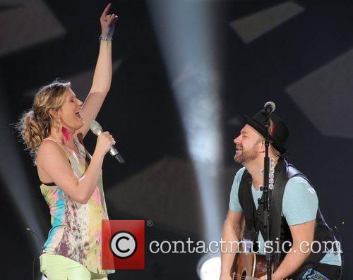 JENNIFER NETTLES, Kristian Bush and Sugarland 60