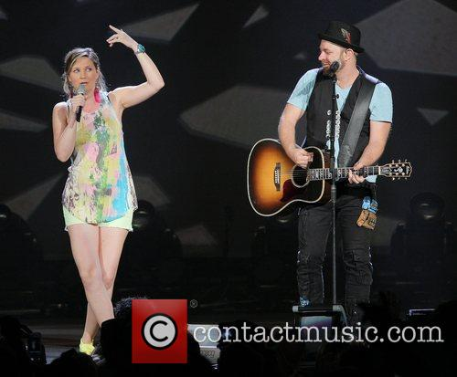 JENNIFER NETTLES, Kristian Bush and Sugarland 65