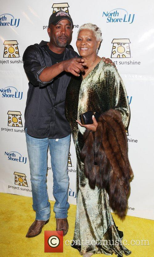 Darius Rucker and Dionne Warwick 1
