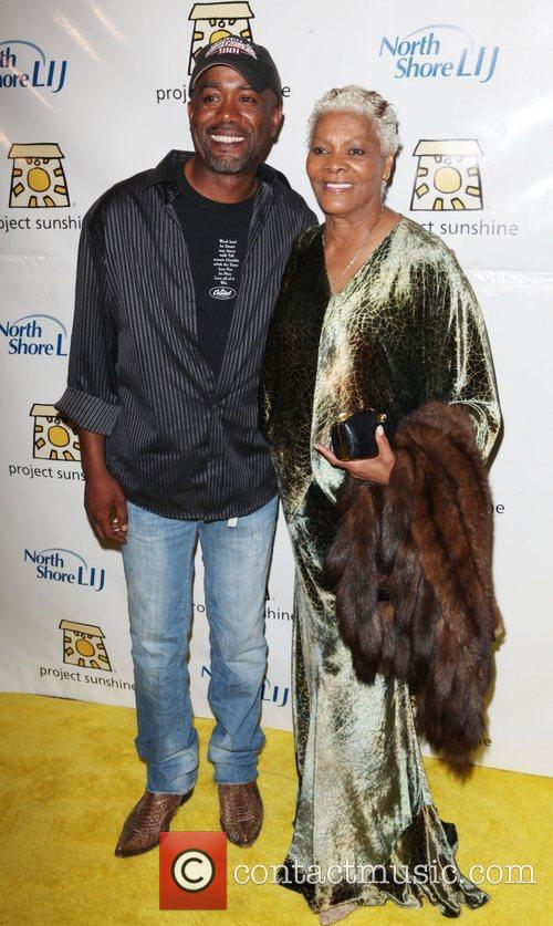 Darius Rucker and Dionne Warwick 3