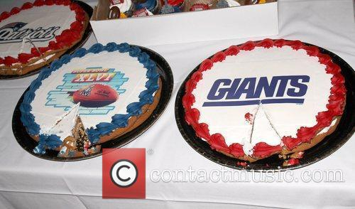 Atmosphere - cakes,  at the Super Bowl...