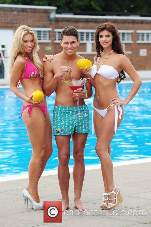joey essex and lucy mecklenburgh surf photocall 3966579