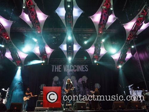 The Vaccines 9