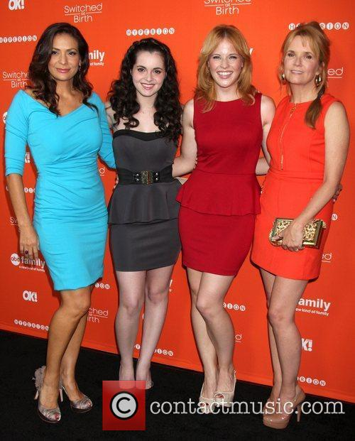 Constance Marie, Lea Thompson and Vanessa Marano 2