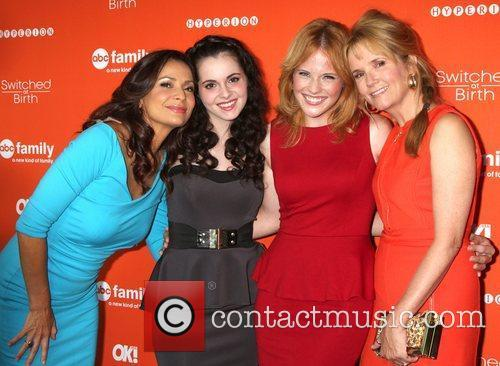 Constance Marie, Lea Thompson and Vanessa Marano 3