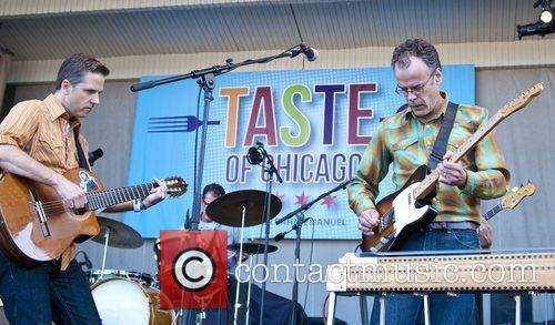 calexico performing live at taste of chicago 3988559