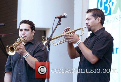 calexico performing live at taste of chicago 3988570