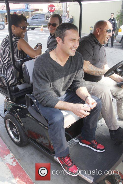 Taylor Kinney, Extra and The Grove 3