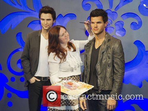 Taylor Lautner, Madame Tussauds and Robert Pattinson 2