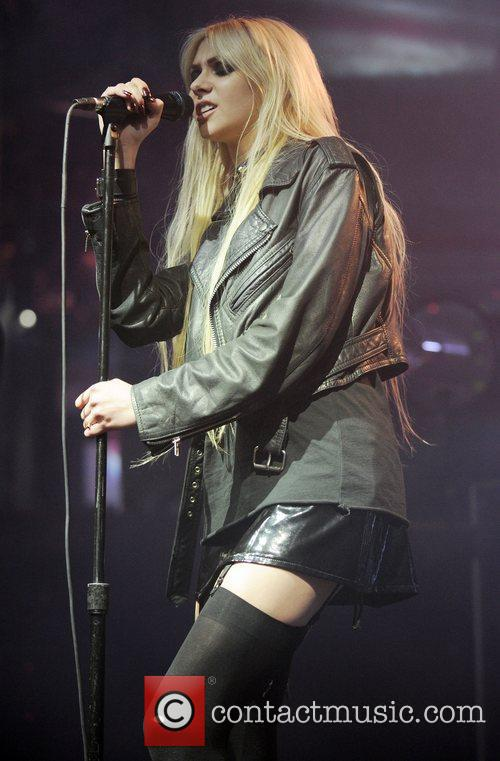 Taylor Momsen and The Pretty Reckless 3