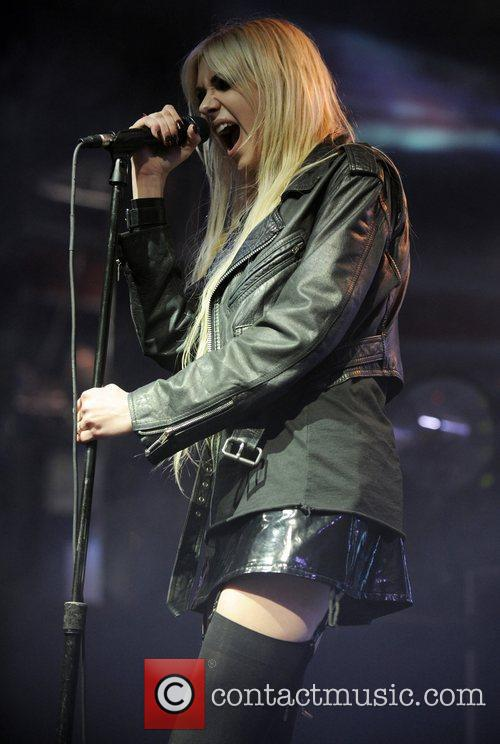 Taylor Momsen and The Pretty Reckless 9