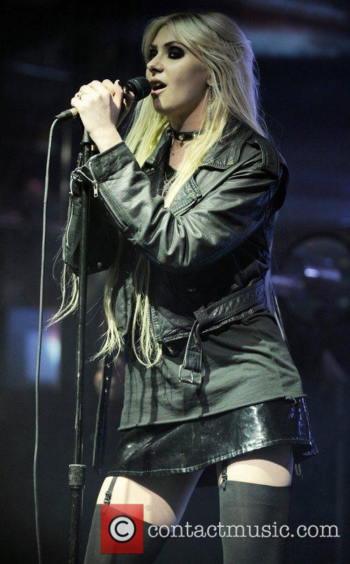 Taylor Momsen and The Pretty Reckless 10