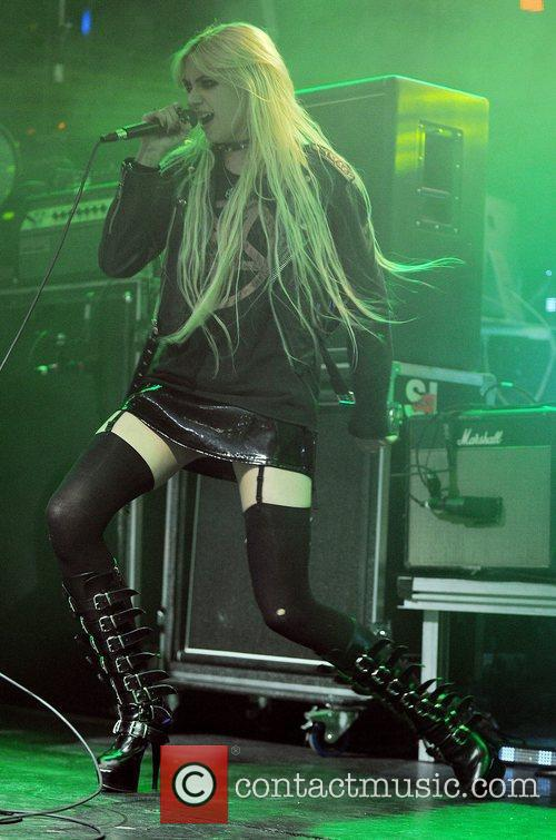 Taylor Momsen and The Pretty Reckless 21