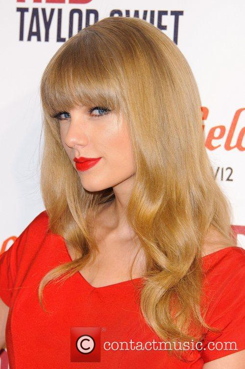 Taylor Swift and Westfield Shopping Centre 8