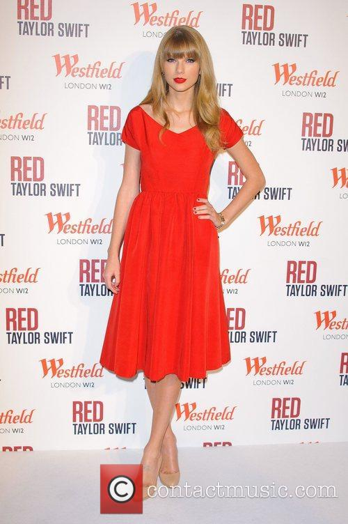 Taylor Swift and Westfield Shopping Centre 9