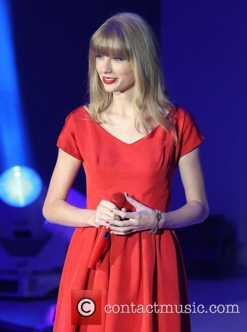 Taylor Swift, Christmas, Westfield and Westfield Shopping Centre 32