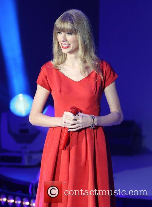 Taylor Swift, Christmas, Westfield and Westfield Shopping Centre 12