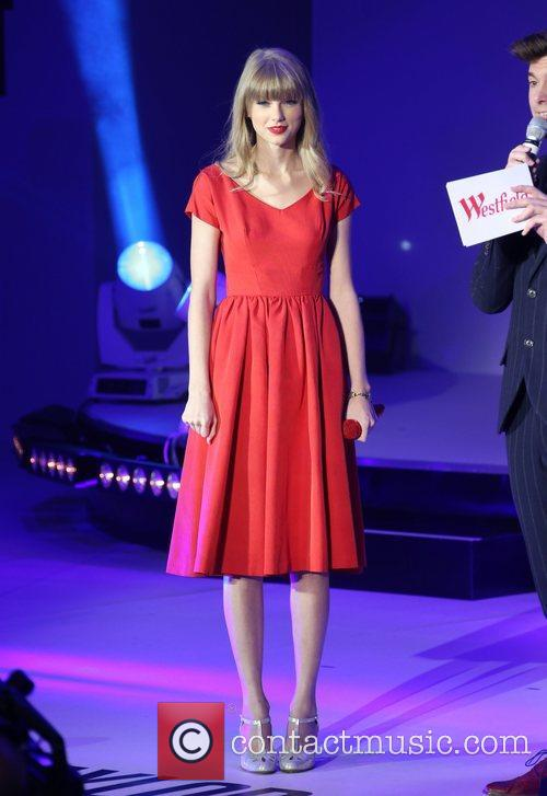 Taylor Swift, Christmas, Westfield and Westfield Shopping Centre 33