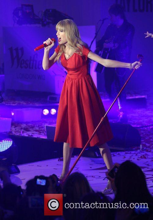 Taylor Swift, Christmas, Westfield and Westfield Shopping Centre 25