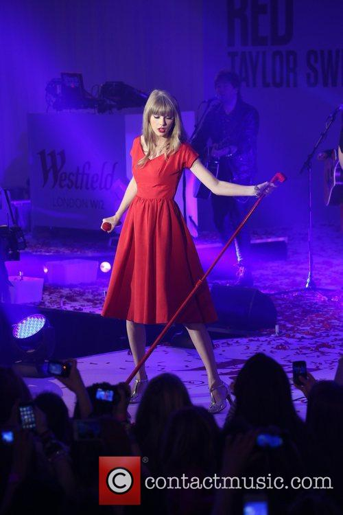Taylor Swift, Christmas, Westfield and Westfield Shopping Centre 24