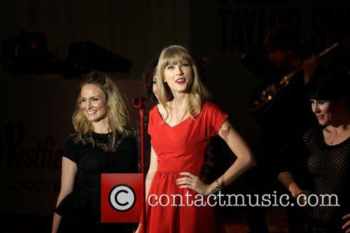 Taylor Swift, Christmas, Westfield and Westfield Shopping Centre 15