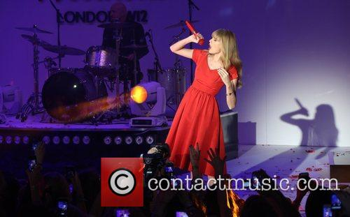 Taylor Swift, Christmas, Westfield and Westfield Shopping Centre 14