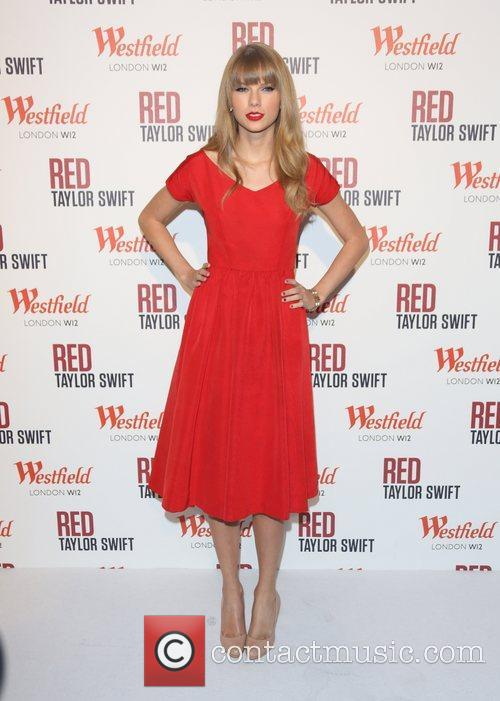 Taylor switches on the Christmas lights at Westfield...