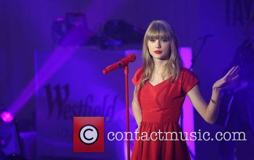 Taylor Swift, Christmas, Westfield and Westfield Shopping Centre 5
