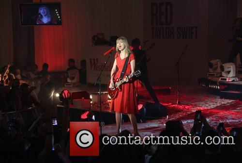 Taylor Swift, Christmas, Westfield and Westfield Shopping Centre 3