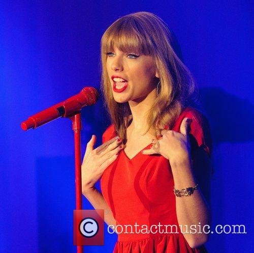 Taylor Swift, Christmas, Westfield, London, England and Westfield Shopping Centre 10