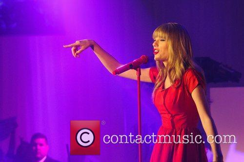 Taylor Swift, Christmas, Westfield, London, England and Westfield Shopping Centre 16