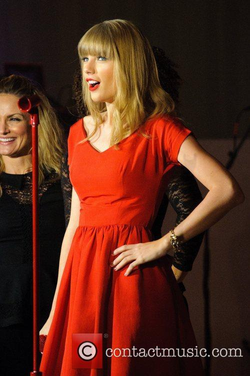Taylor Swift, Christmas, Westfield, London, England and Westfield Shopping Centre 27