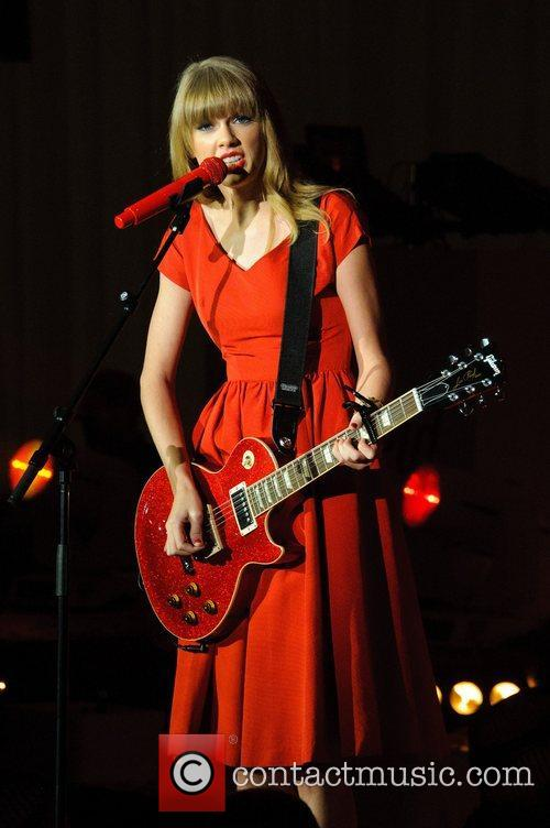 Taylor Swift, Christmas, Westfield, London, England and Westfield Shopping Centre 23