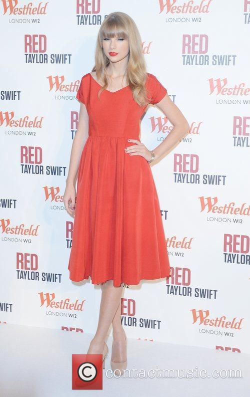 Taylor Swift, Christmas, Westfield, London and England 6