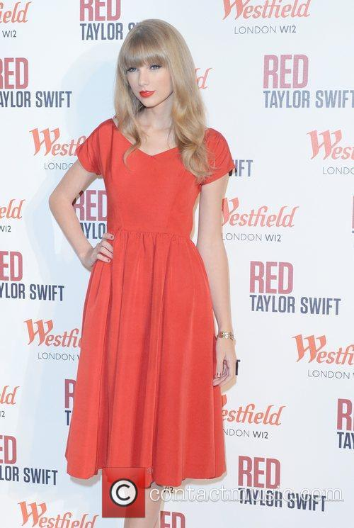 Taylor Swift, Christmas, Westfield, London and England 2